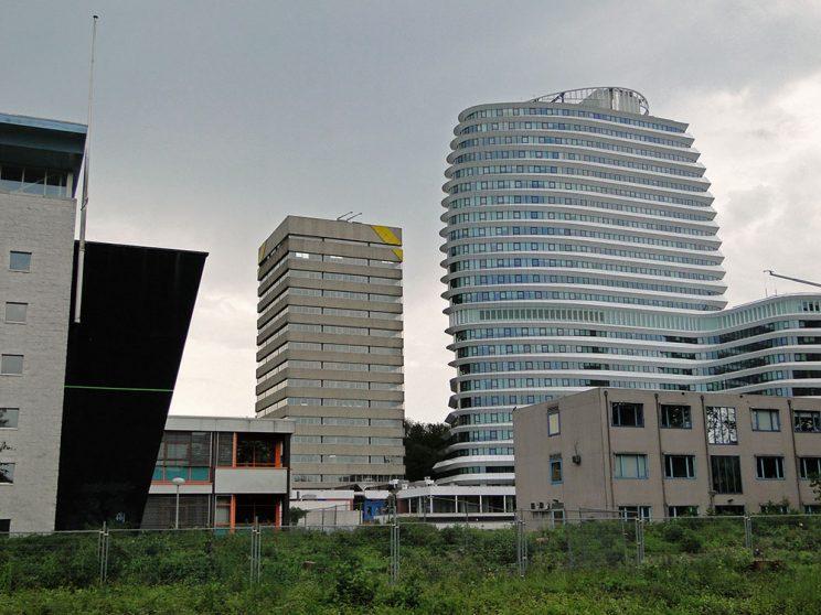 DUO juni 2011, naast toren geel, vanaf Helperzoom